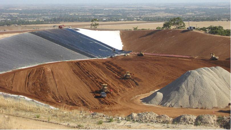 810x456-bentonite-landfill